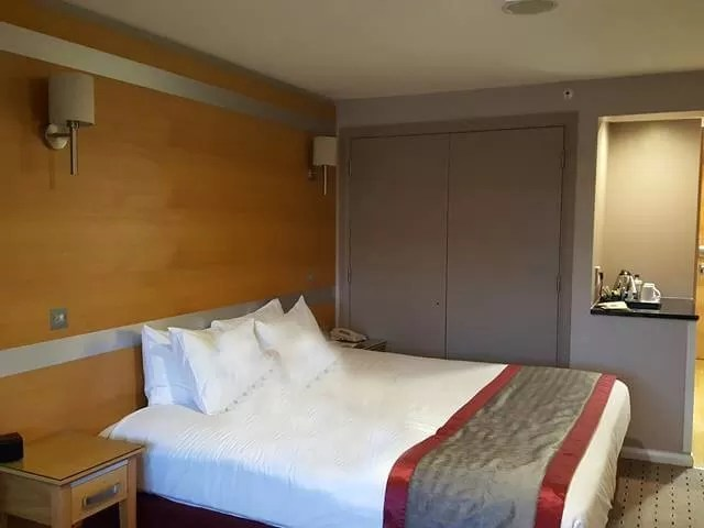 double tree hilton bed