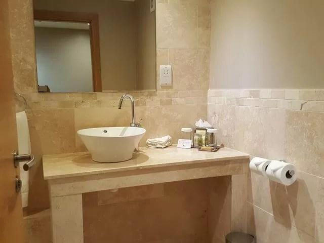 hilton MK bathroom