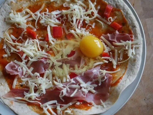 egg on a pizza wrap