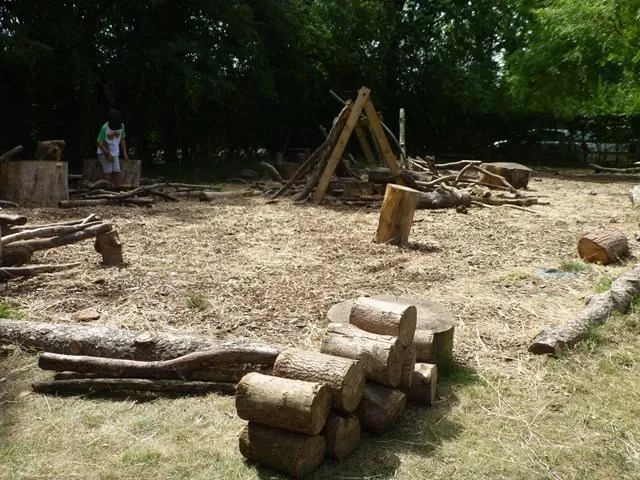 natural play area logs