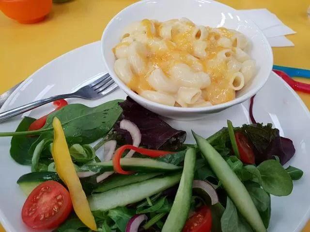 mac and cheese at riverside hub