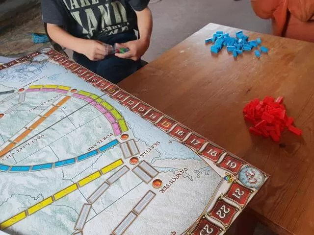 setting up ticket to ride game