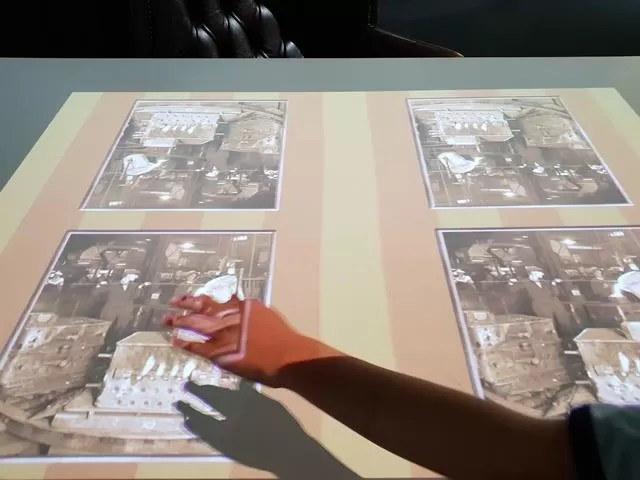 interactive table display
