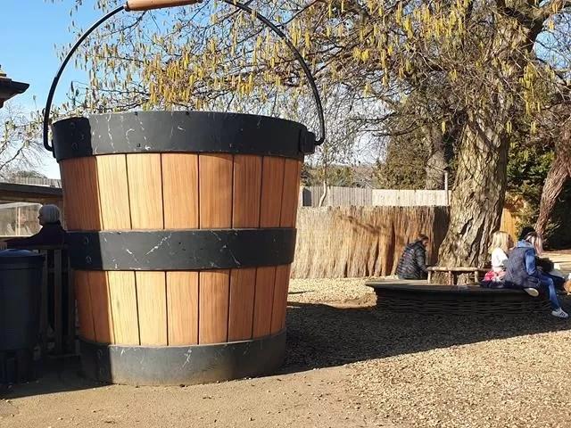 giant bucket