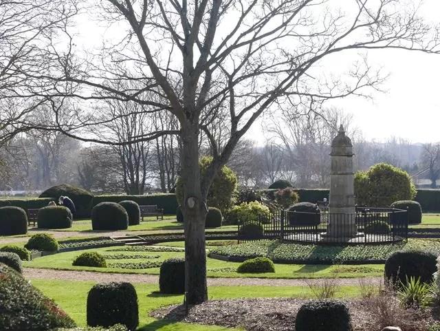 sunken garden at wicksteed