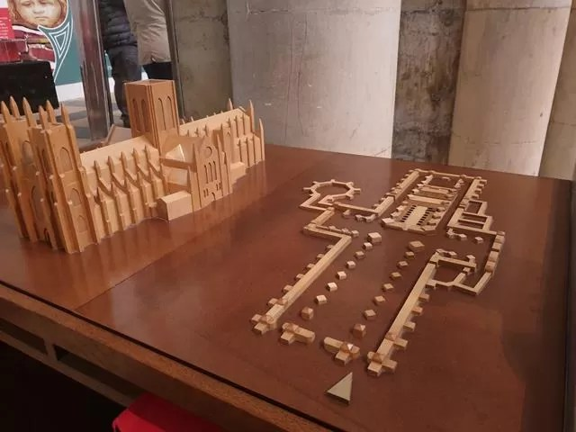 3d model and floor plan of york minster