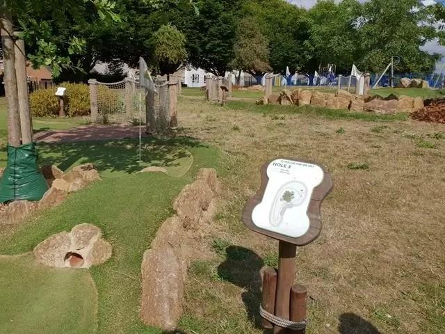 minature golf course cutteslowe park