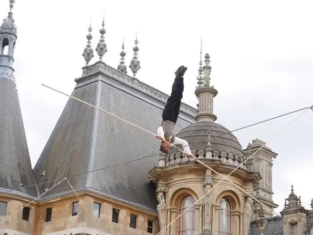 high wire hand stand