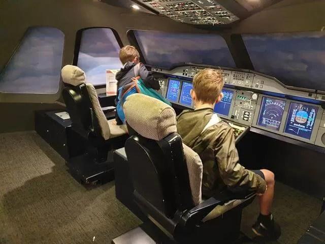 A380 cockpit experience