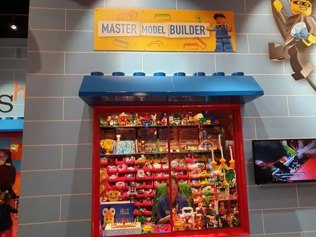 legoland creative workshop window