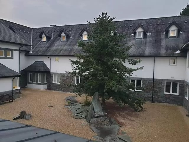 low wood bay hotel courtyard