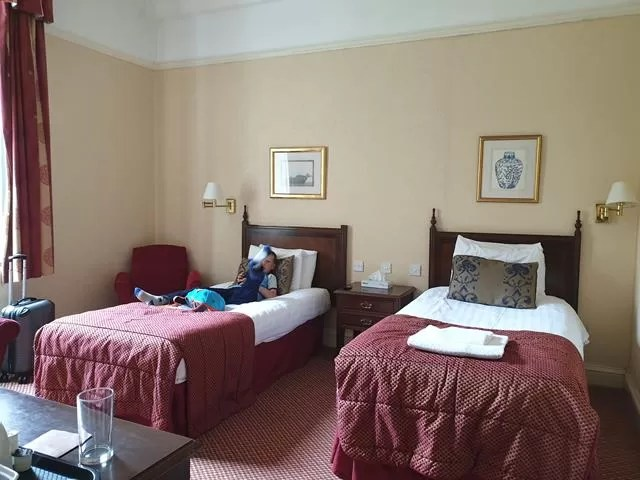 twin room beds in imperial hotel