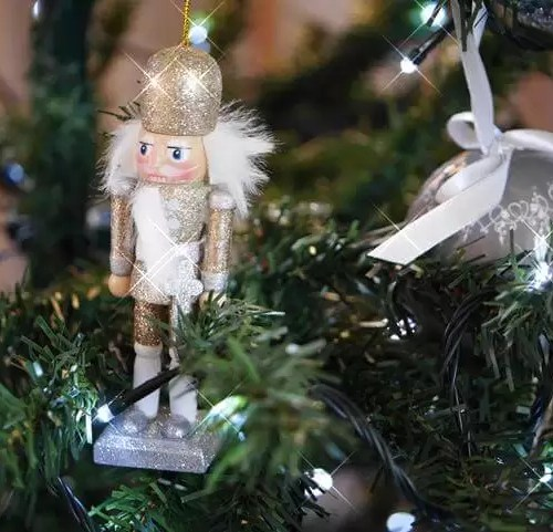 golden nutcracker tree decoration