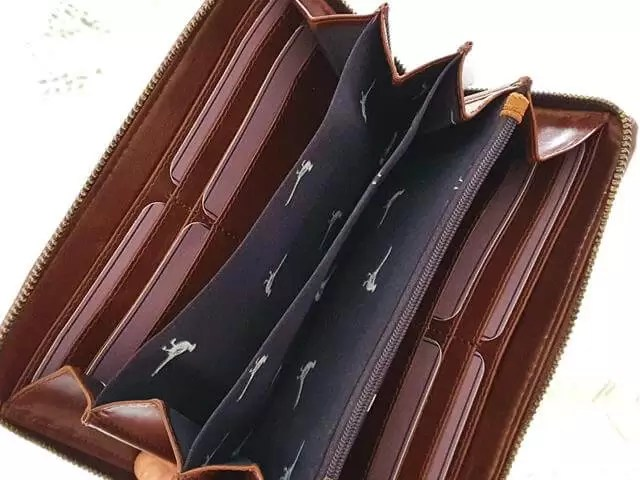 inside card pockets and coin part of Rydale purse
