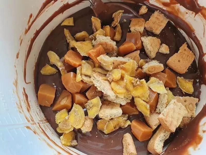 combining banoffee fudge ingredients