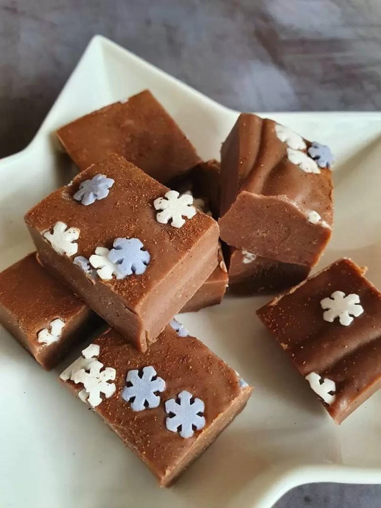 close up of gingerbread fudge