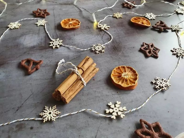 cinnamon stick bundle decoration