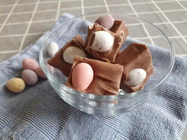 cadbury mini egg fudge in glass bowl