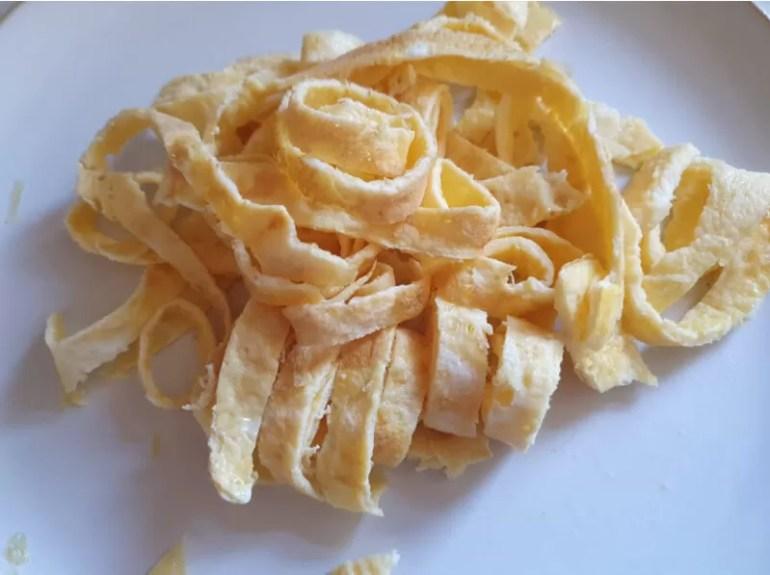 egg strip noodles