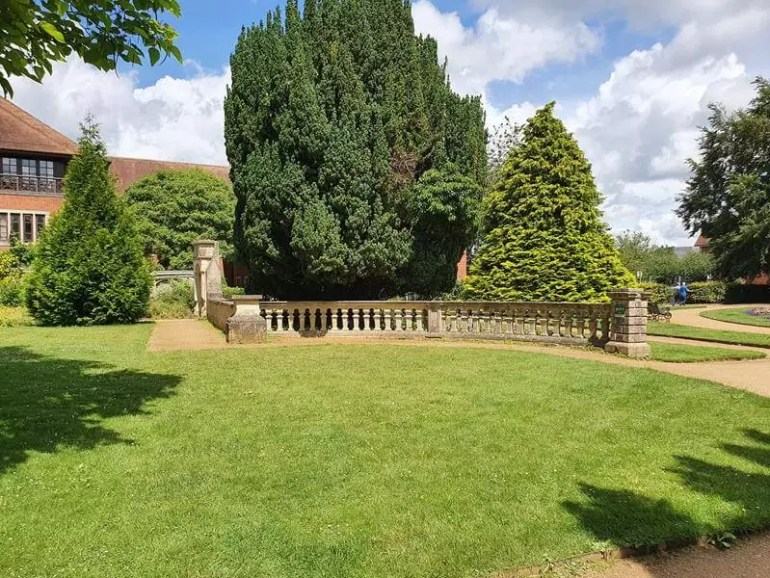 long view of abbey gardens