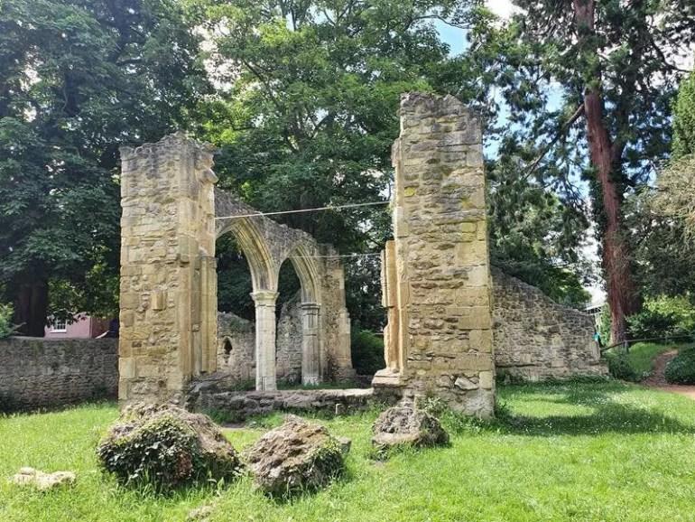 trendell's folly ruins