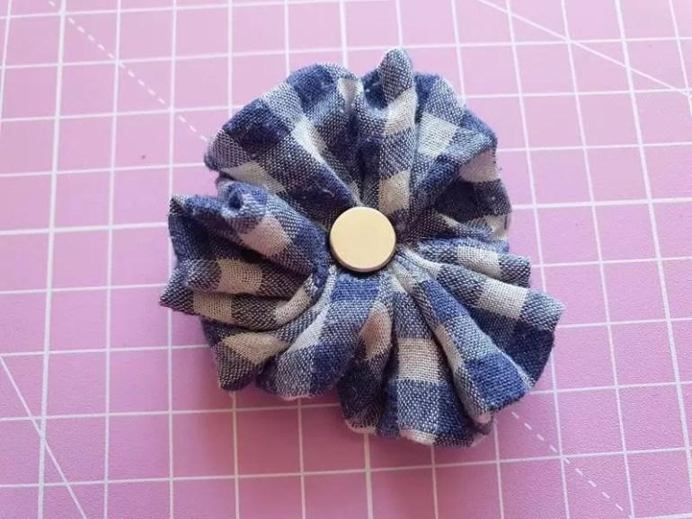 rosette magnet with magnet on back