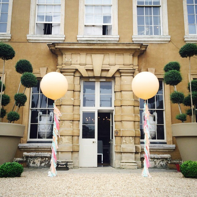 Bubblegum Balloons at Aynhoe Park