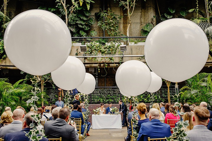21-Greenery-and-Geometric-London-Barbican-Centre-Wedding-by-Steven-Rooney
