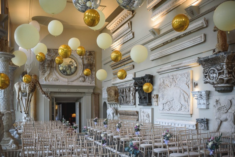 Bubblegum Balloons at Aynhoe Park, Guy Collier Photography 2