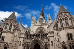 the-royal-courts-of-justice-871280326616z8LP