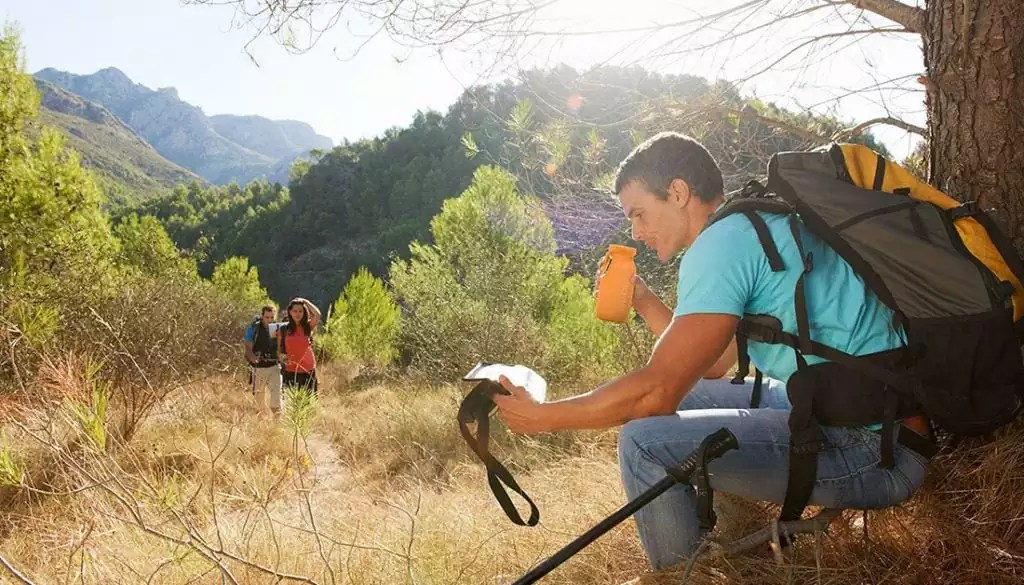 stay hydrated, hiking, water bottle, fordable water bottle, eco-friendly, traveling