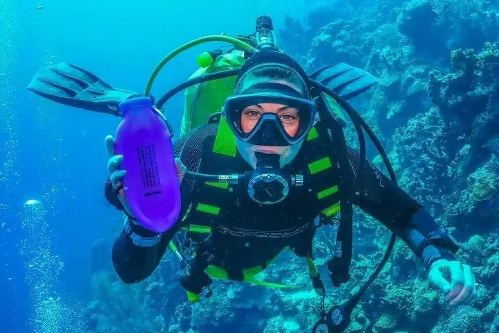 open-water-diver, dehydration-while-diving, diving-water-bottle, bubi-bottle
