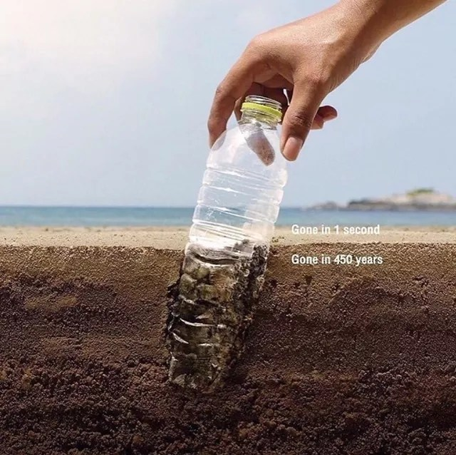 plastic-bottles-vs-reusable-bubi-bottle