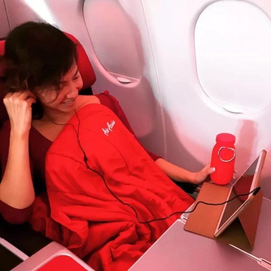 need-for-long-flight, make-long-flight-comfortable, need-for-a-long-flight-Soft-bottle, bubi-bottle, long international flight