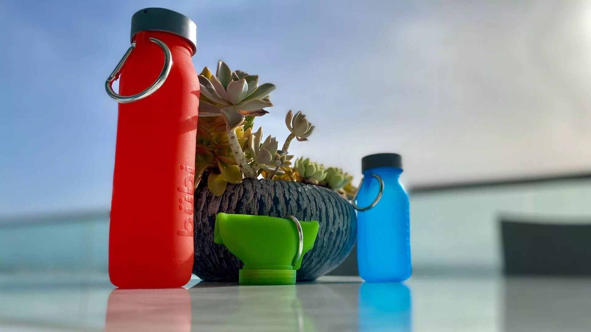 Silicone bottle, collapsible bottle