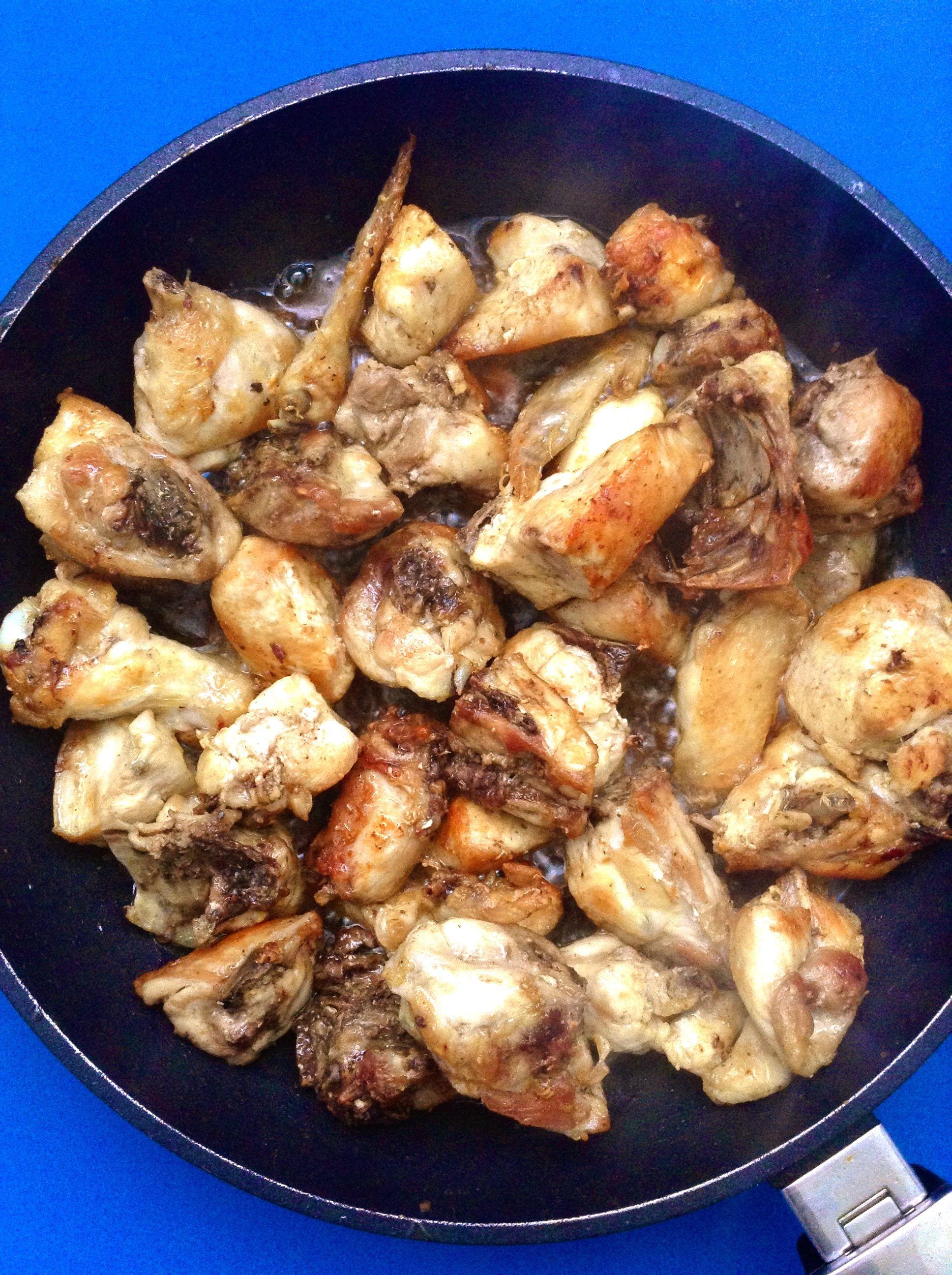 pollo guisado con pimientos  bubuto bobola