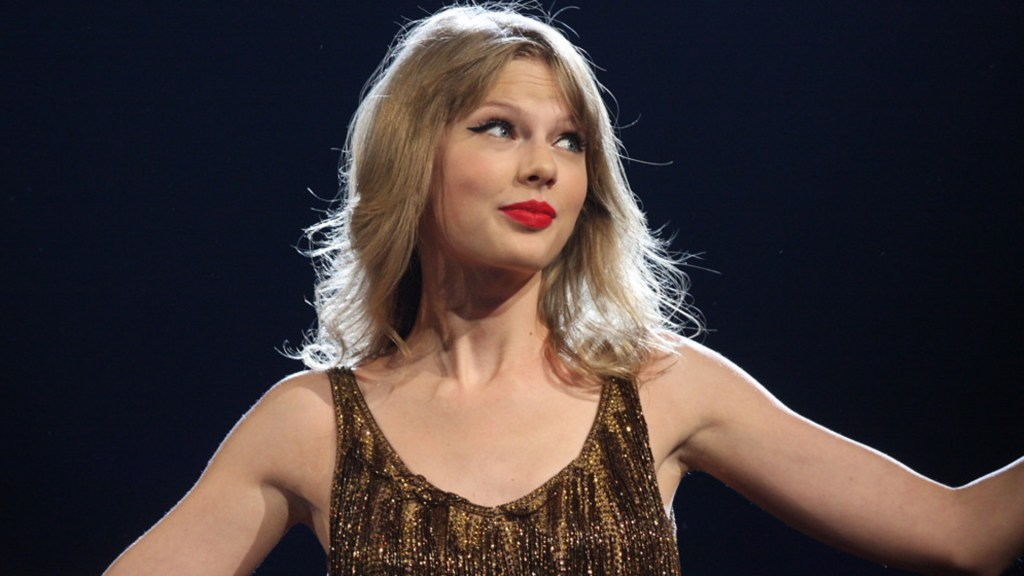 Taylor Swift should've said no to politics