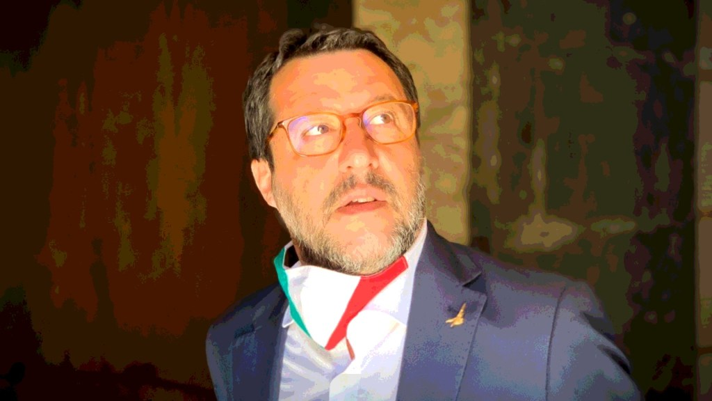 """Matteo Salvini took to Twitter to assert that Giuseppe Conte """"should answer for the kidnapping of millions of Italians."""""""