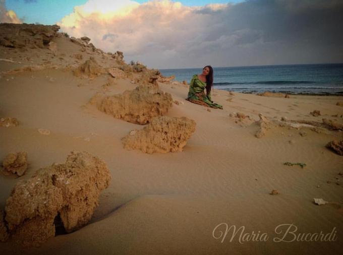 Maria Bucardi - po 46 Rytuale dla Matki Ziemi - na szczatkach mitycznej Atlantydy - wyspa Porto Santo - archipelag Madery, zaliczany do Makronezji