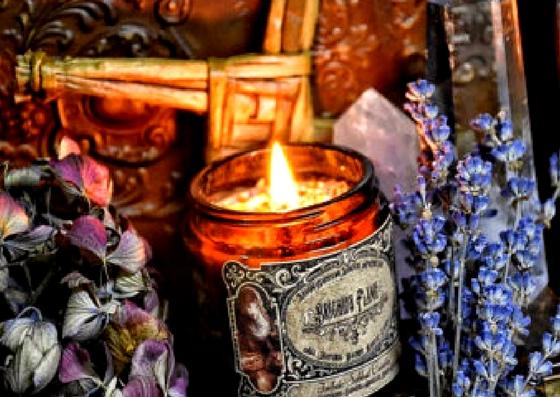 Rytuał świec intencyjnych