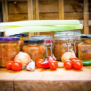 Rosii cu legume la borcan, pentru ciorbe sau alte preparate.