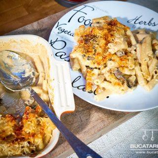 """Mac & Cheese """"Ardelenesc"""". Sau macaroane cu trei feluri de branza, bacon si ciuperci."""