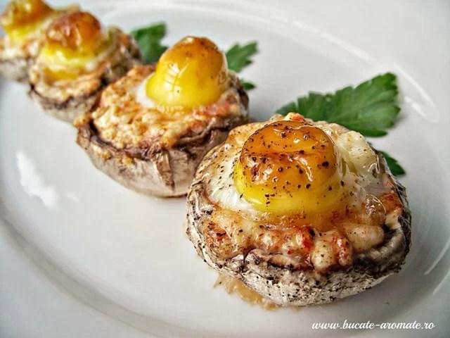 Ciuperci umplute cu brânză şi ouă de prepeliţă