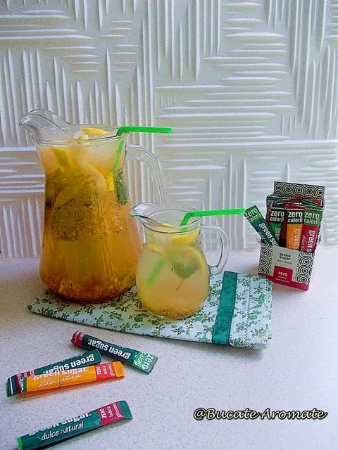 Limonadă cu piersici şi ghimbir