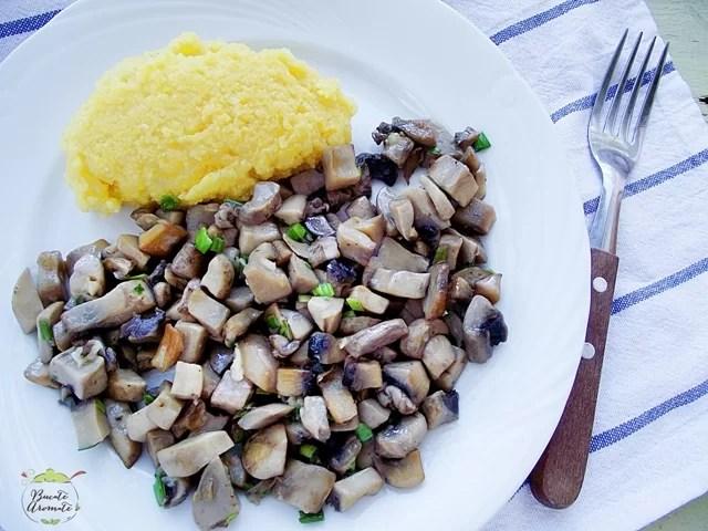 Sote de ciuperci cu usturoi (2)