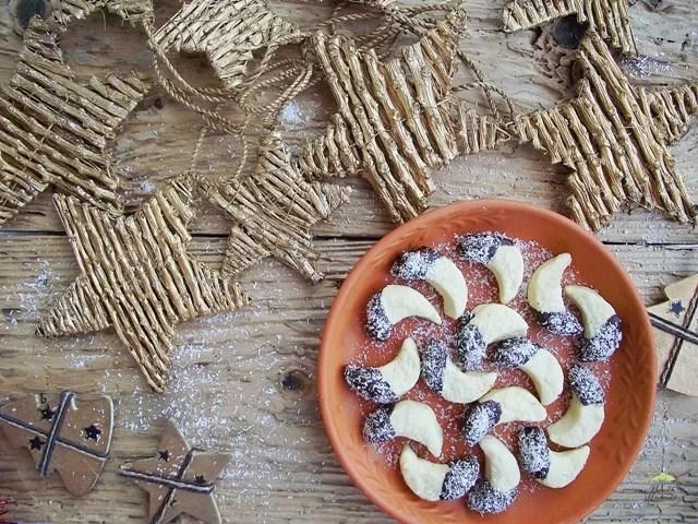 Fursecuri semilună cu unt şi vanilie