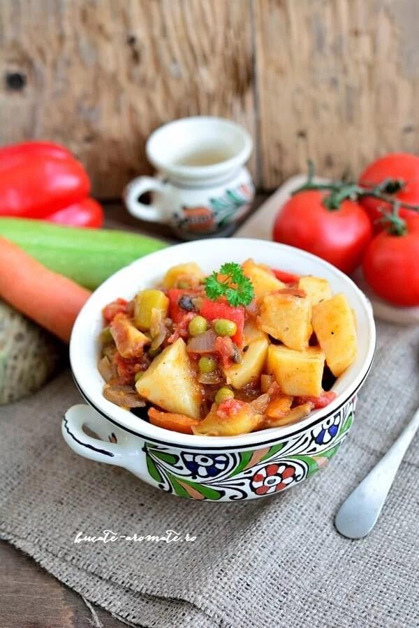 Ghiveci de legume fel de fel – cea mai simplă mâncare de post
