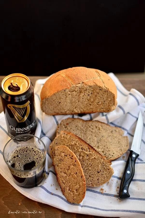 Pâine neagră cu bere şi negrilică