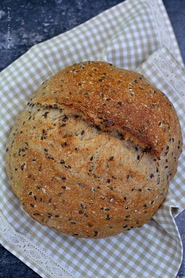 Pâine cu maia coaptă în oală. Avantajele și dezavantajele ei