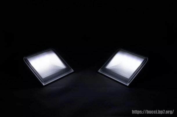 ディフューザーで柔らかい光に